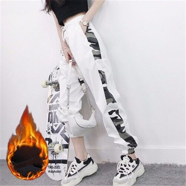 Harajuku Streetstyle Camo Side Strip Cargo Pants (Black/White)