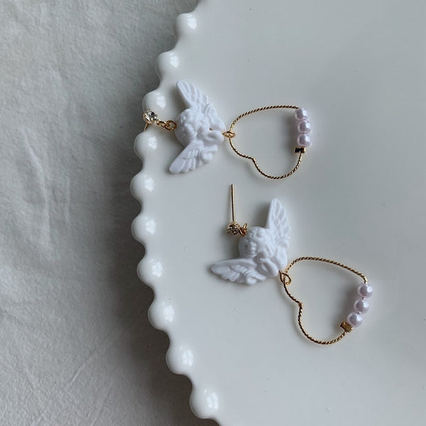 HARAJUKU ANGEL CHERUB GOLD HEART EARRINGS