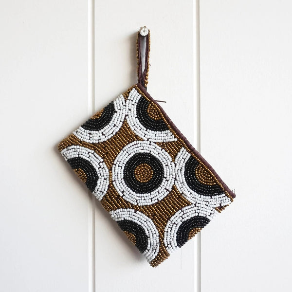 Beautiful shimmering black, white and gold beaded coin purse. Glamour time! Perfect for cash & cards