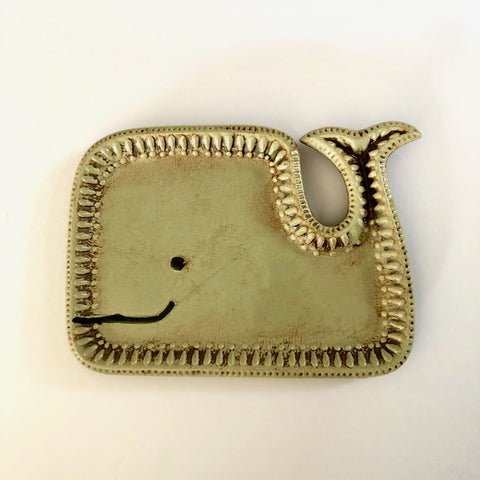 Whale display plate / dish. Ceramic. Fun and quirky vintage style home decor. Table top heaven. Gift