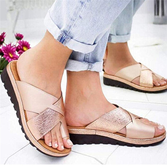 Women Outdoor Clip Toe Sandals Mid-heel Wedge Sandals