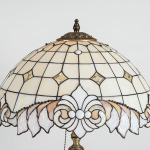 Zoomed stained glass classic lamp shade in beige colours