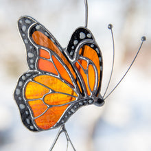 Load image into Gallery viewer, Zoomed stained glass side-view monarch butterfly suncatcher