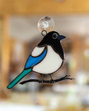 Load image into Gallery viewer, Magpie