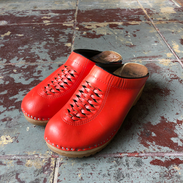 Red Troentorp Clogs Euro 40 - Women's 7.5