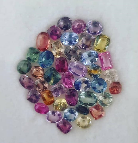 A mixed lot of colored sapphires from Sri Lanka - Peters Vaults