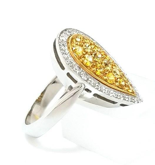 Dazzling Yellow Sapphire and Diamond Cocktail Ring in 18K Gold