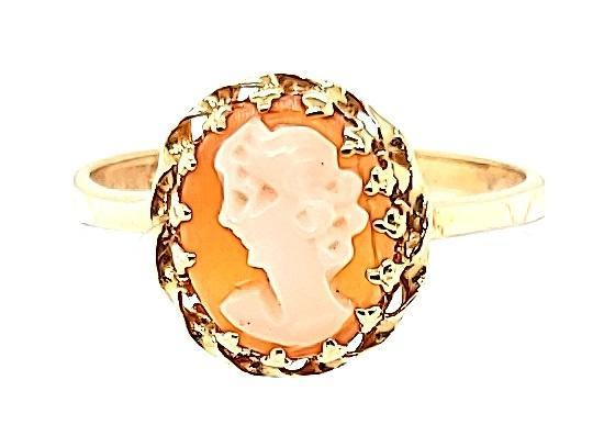 Vintage Italian Coral Cameo Ring in 14K - Peters VaultsVintage Italian Coral Cameo Ring in 14K - Peters Vaults