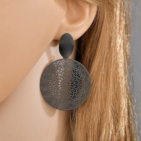 Creative Black Circle Geometric Cutout Earrings