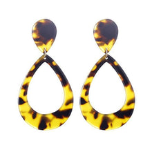 Load image into Gallery viewer, Beiby Bamboo Drop Earrings E1127 brown Tortoise Shell Earrings
