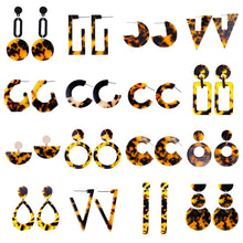 Load image into Gallery viewer, Beiby Bamboo Drop Earrings E916 brown Tortoise Shell Earrings