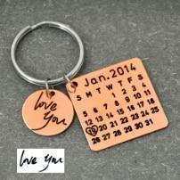Load image into Gallery viewer, Beiby Bamboo keychain Alloy rose gold col Personalized Calendar Keychain