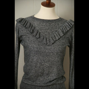 Black & White Fem Frill Light Sweater (S)
