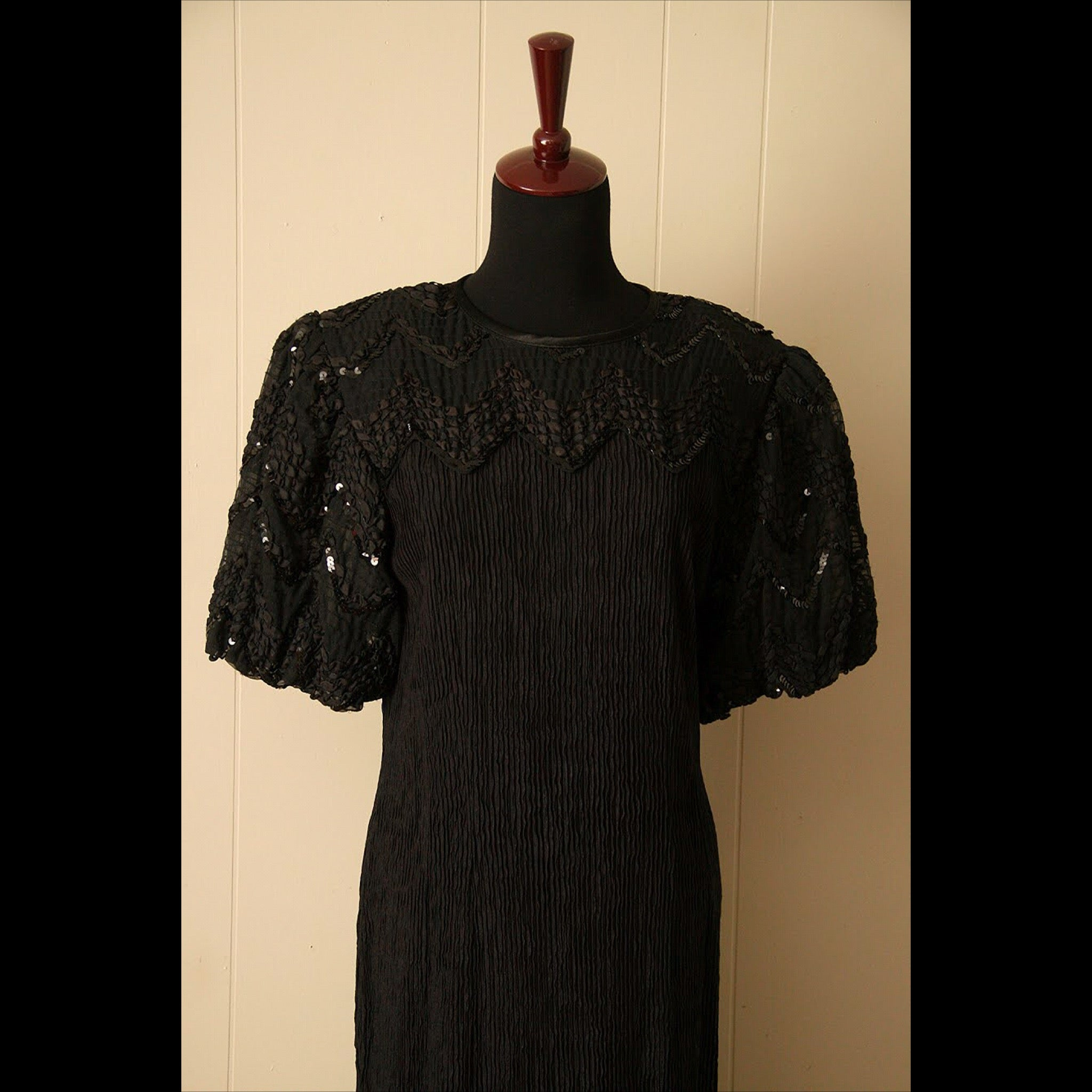 Long Black Sequin Vintage Dress (M/L)