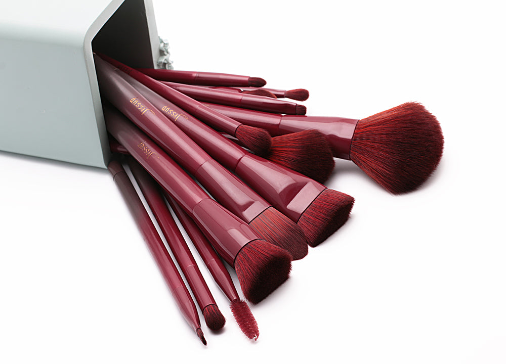 Jessup Wine Red 15 Piece Makeup Brush Set