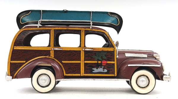 1947 Chevrolet Suburban with Canoe