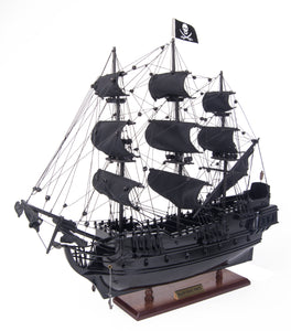 The Black Pearl Pirate Ship L40, Small