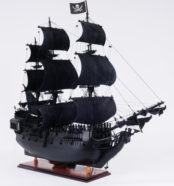 The Black Pearl Pirate Ship L90