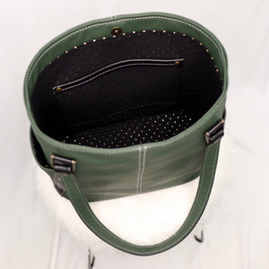 Tora V.1 | Hunter Green / Gold Dots