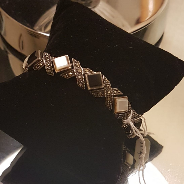Onyx and Mother of Pearl Silver Bracelet - Simru