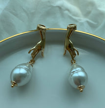 Load image into Gallery viewer, Yvie Pearl Drop Earrings - Twice Shy