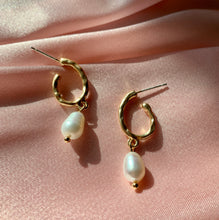 Load image into Gallery viewer, Sienna Pearl Earrings - Twice Shy