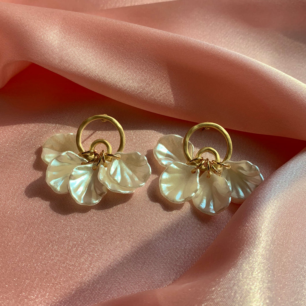 Pearl Petal Selene Earrings - Twice Shy