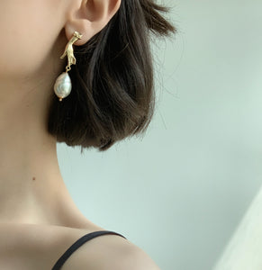 Yvie Pearl Drop Earrings - Twice Shy
