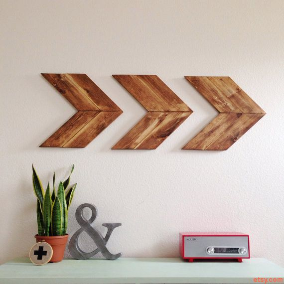 Wooden arrows decorations