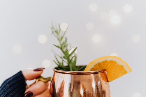 25 Gluten-Free Winter Cocktails for a Spirited Holiday Evening (& Non-Alcoholic Options!)