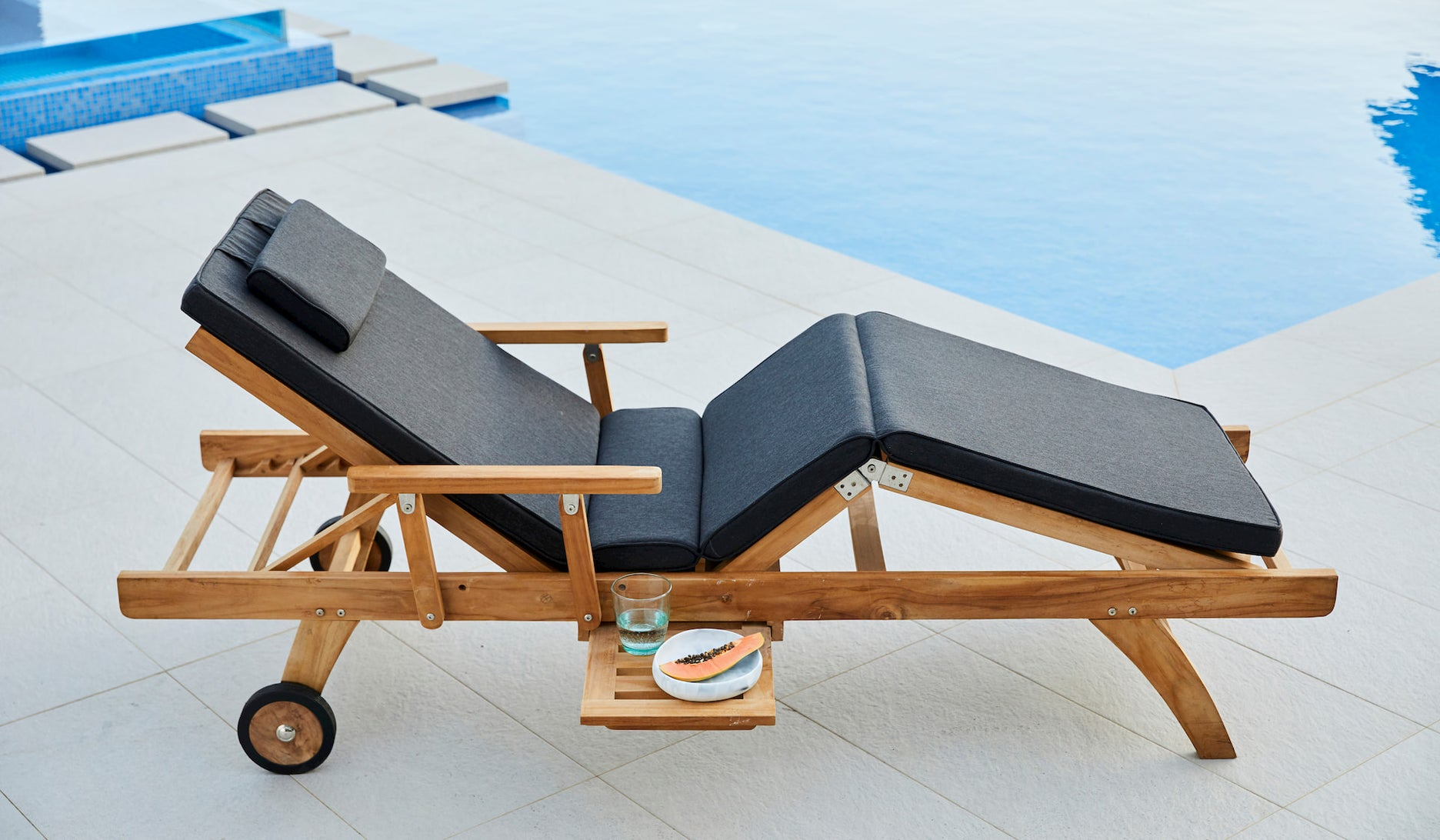 5 Reasons Teak is the Best Pool Furniture