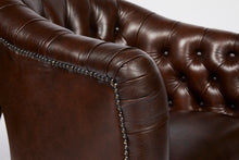 Load image into Gallery viewer, Chesterfield-Leather-Wellington-Tub-Chair-r10