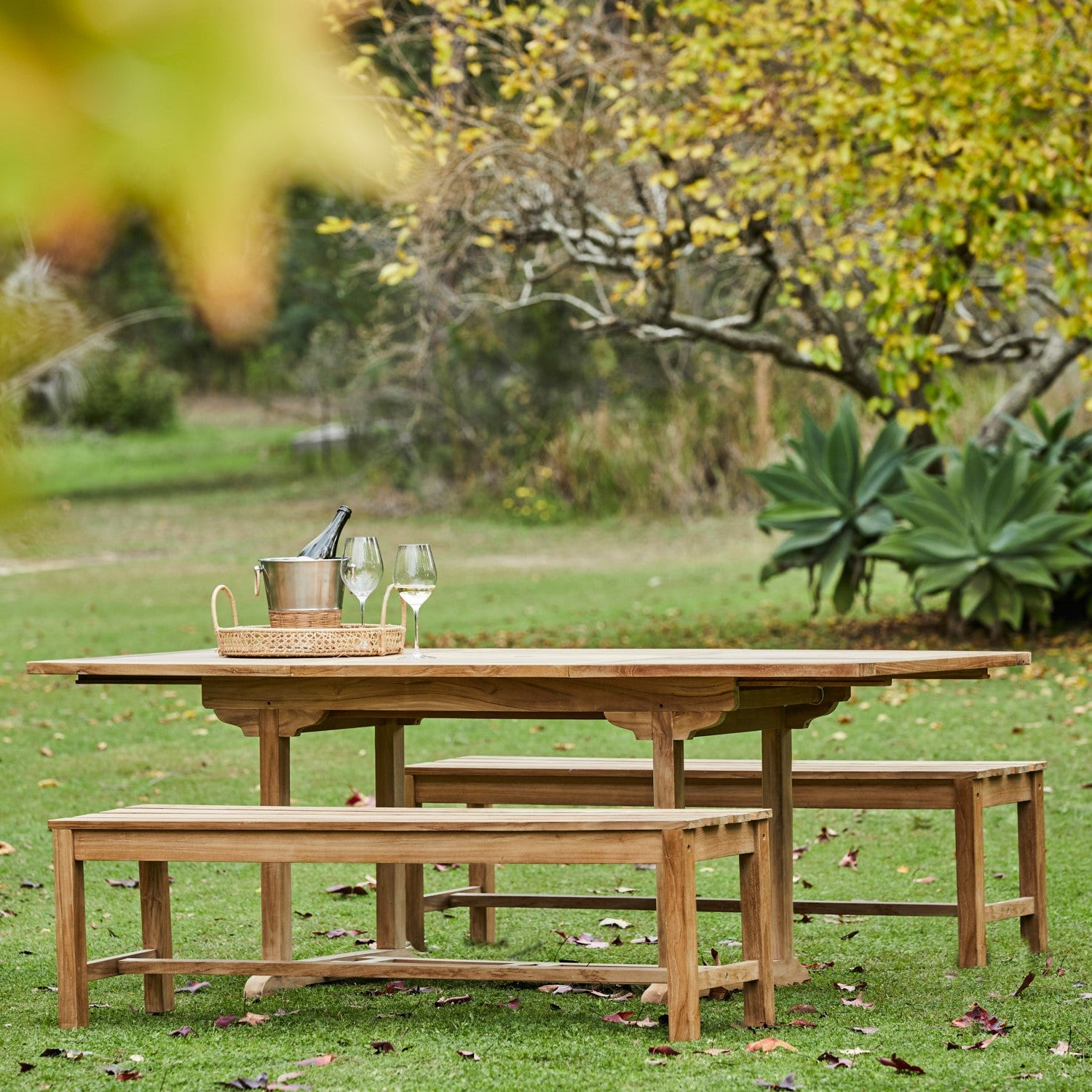 Teak-Lindon-table-with-bench-1