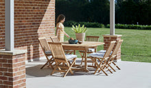 Load image into Gallery viewer, Teak-Round-outdoor-table-setting-classic-r10