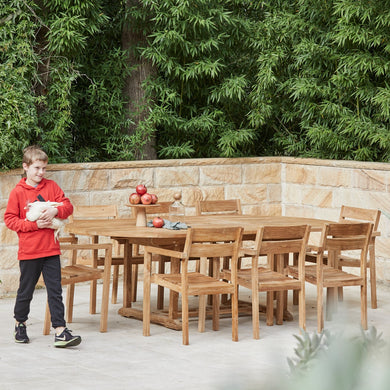 Teak-outdoor-oval-table-Sydney-Bakke-r1