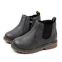 Load image into Gallery viewer, 2017 Boys Girls Boots Kids Shoes Sneakers Winter Children Boys Girls Martin Boots Handmade Leather Boots Baby Boys Girls Shoes