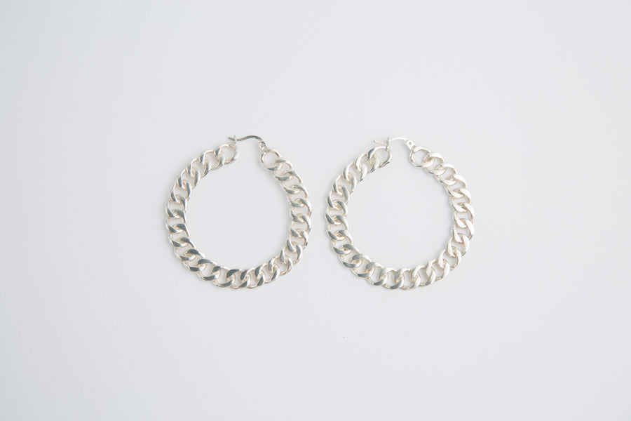 CHAIN HOOPS IN SILVER