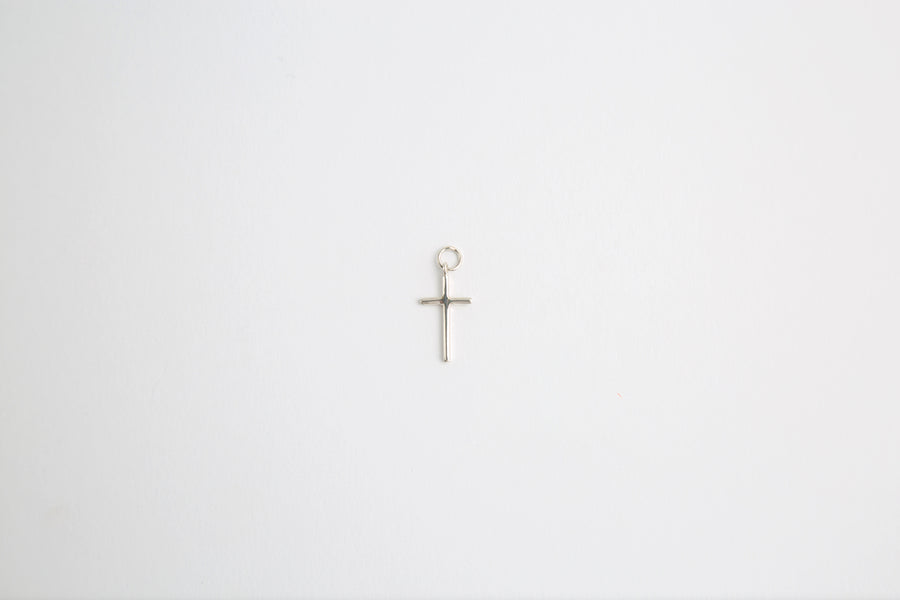 BEA CROSS CHARM IN SILVER