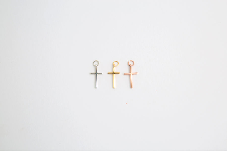 BEA CROSS CHARM IN GOLD