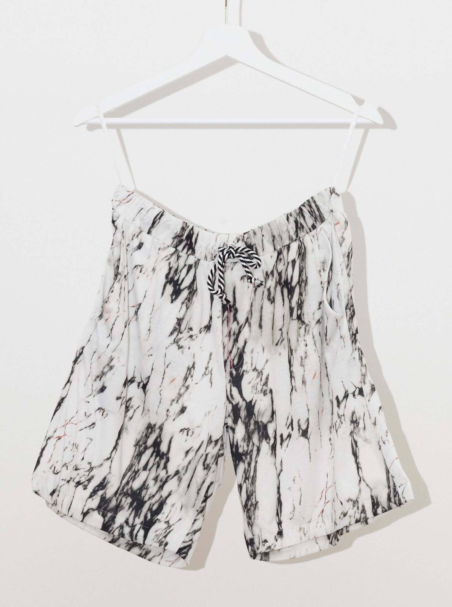 Vinti Andrews Marble Printed Shorts