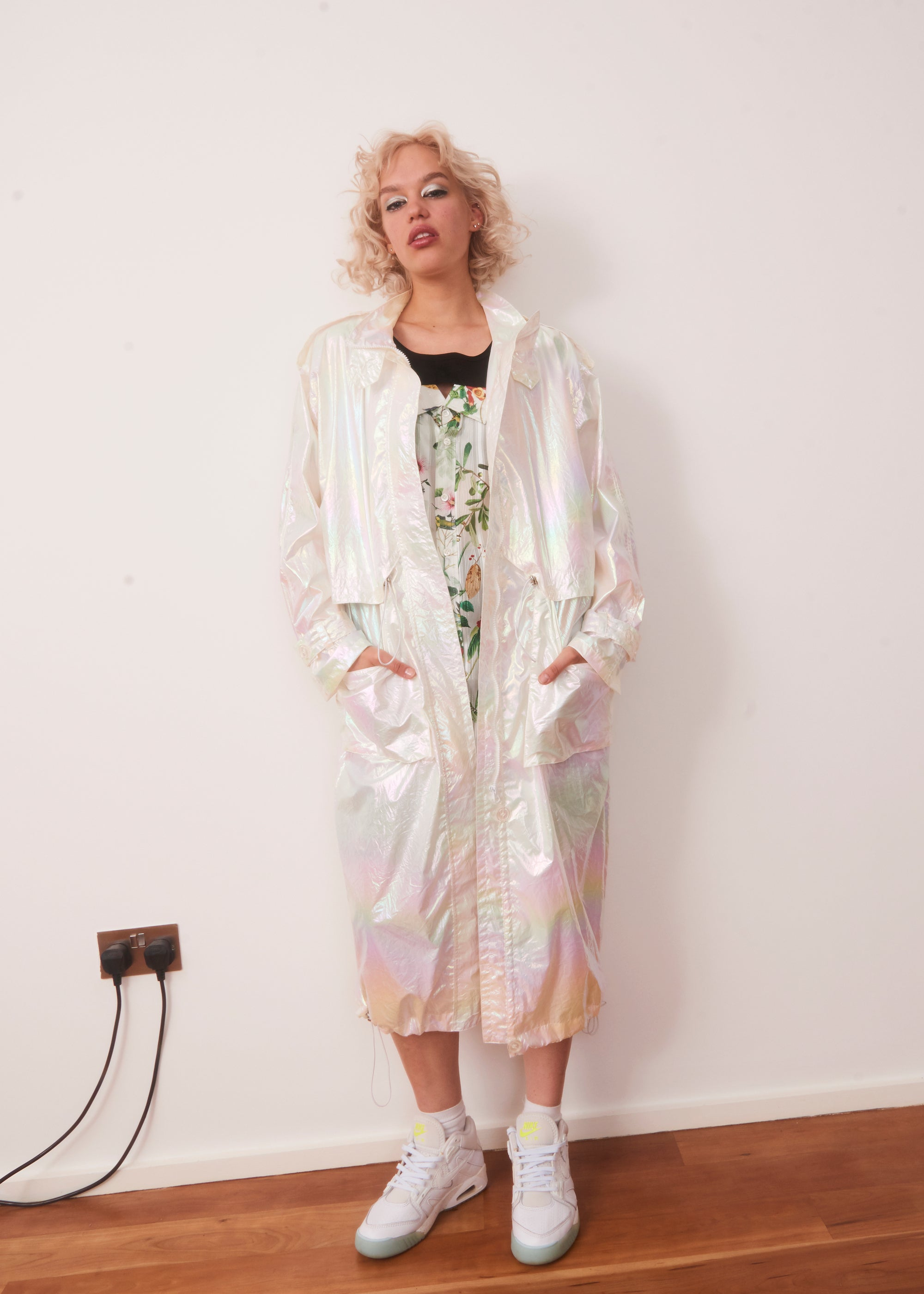Vinti Andrews Pearlescent 90s Summer Coat