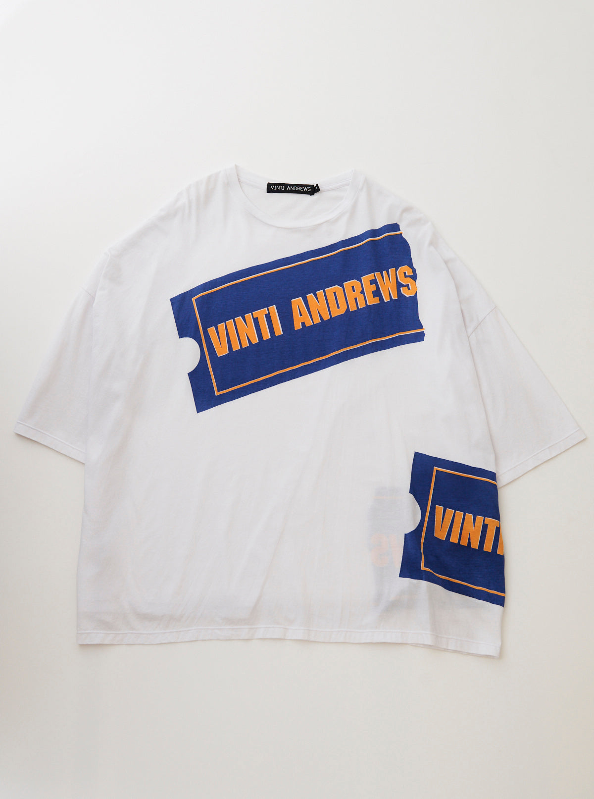 VINTI ANDREWS Tags Printed Oversize T-Shirt