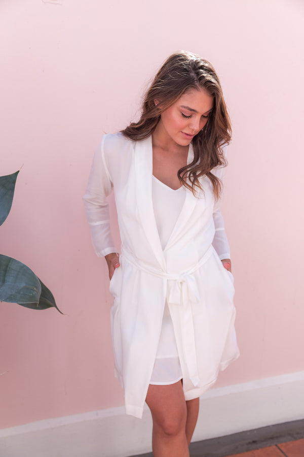 Cara Short Bridal Robe in White