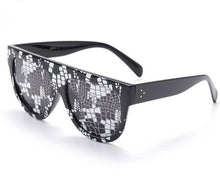 Load image into Gallery viewer, Sexy Designer Python Pattern Sunglasses