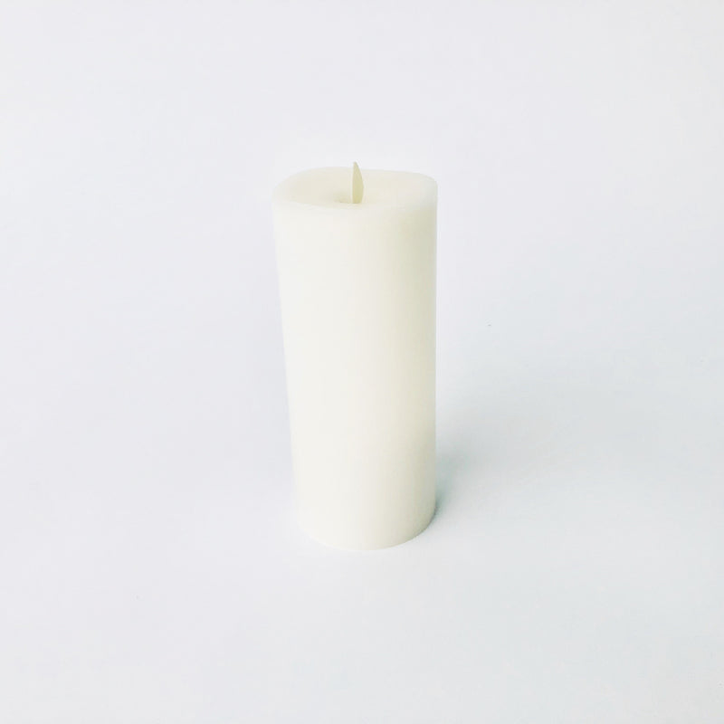 "Moving Flame Candle- 3.5""x8"""