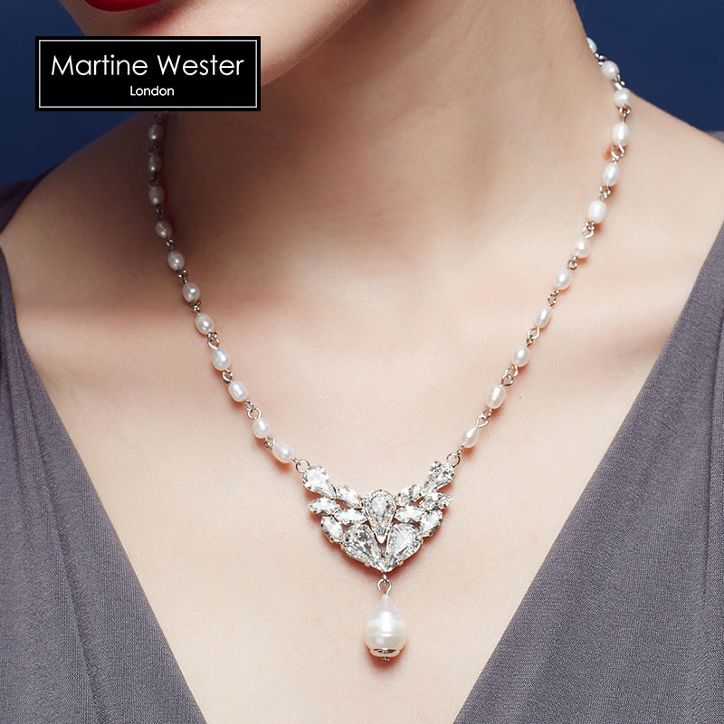 Elegant Freshpearl Necklace