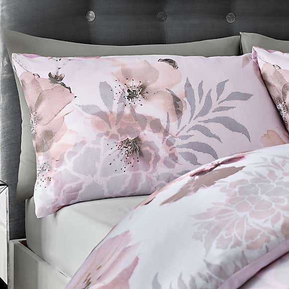 Dramatic Floral Pink