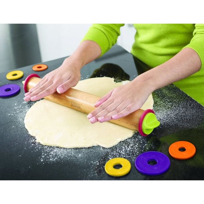 Adjustable Rolling Pin With Measuring Rings