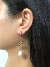 Load image into Gallery viewer, Aeris - 18K Gold Plated Baroque Pearl Earrings
