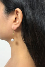 Load image into Gallery viewer, Knotas - 14K Gold Filled Baroque Pearl Earrings